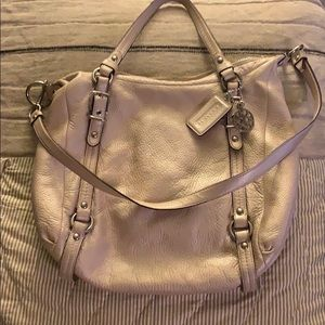 LADIES COACH HANDBAG